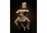 Камбоджа просит Сотбис  вернуть древнюю статую воина